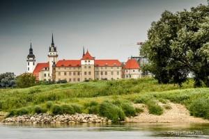 Schloss Hartenfels  Blick Vom Elbeufer