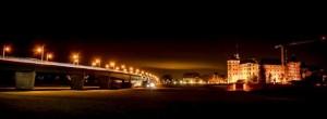 Die Elbbrücke bei Nacht